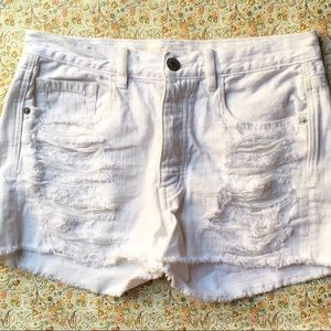 American Eagles White Distressed Shorts